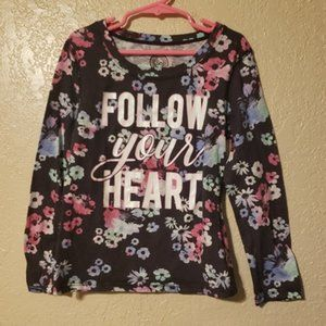 "4/$25 Long sleeve Floral shirt ""Follow your heart"""